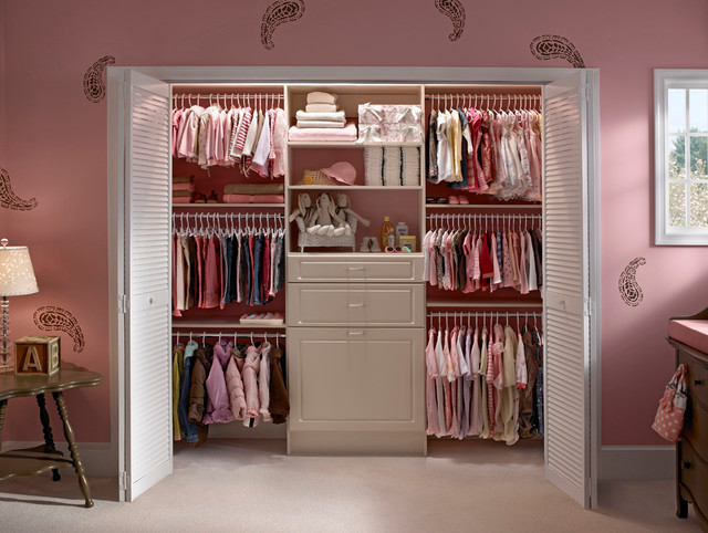 ubrania basic czyli co powinno się znaleźć w każdej dziecięcej szafie