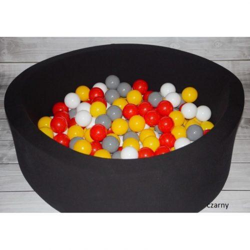 Suchy basen dla dziecka, kolorowe piłeczki