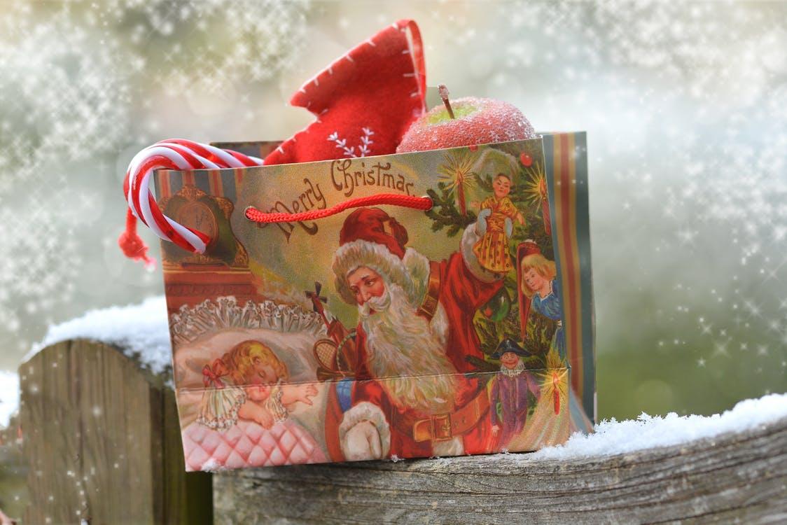 prezent na mikołaja dla dziecka prezent na mikołaja dla dziewczynki prezent na mikołaja dla chłopca prezent mikołaj święty