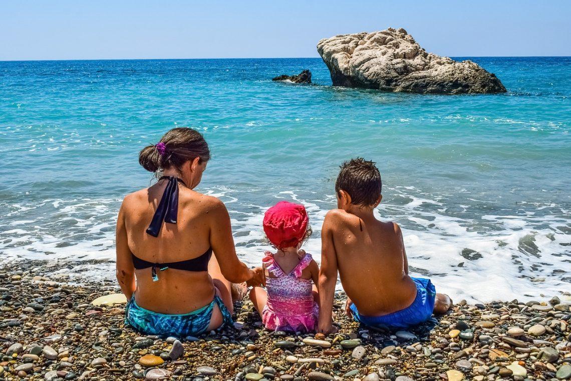 wakacje z dzieckiem jak wyrobić paszport dla dziecka jak wyrobic dowod dla dziecka